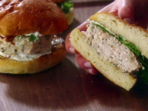Foodie Friday: Chicken Burgers with Garlic and Rosemary